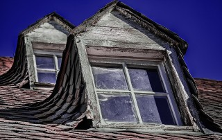 a roof that needs a home inspection